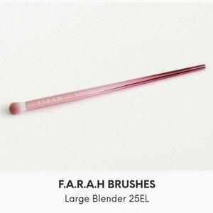 F.A.R.A.H Large Blender Brush 24EL BRAND NEW